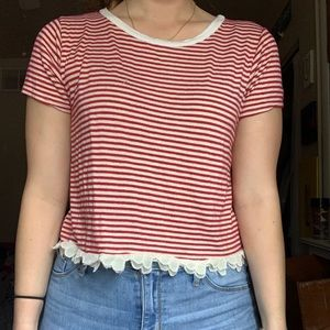 Stripped loose top with lace